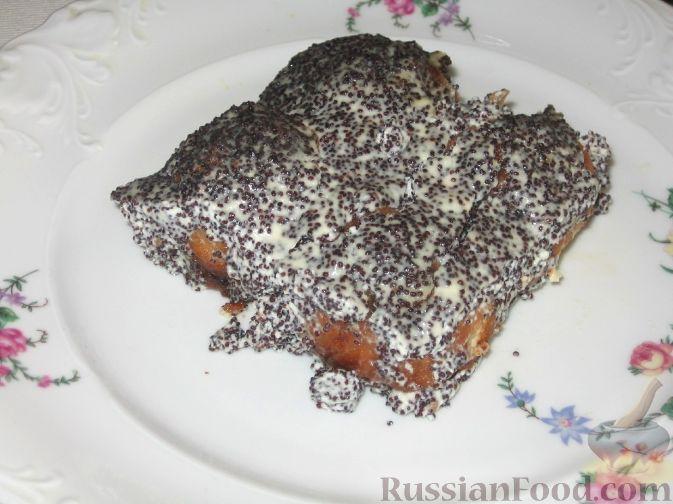 Фото приготовления рецепта: Киш с капустой и черносливом, в яично-сметанной заливке с сыром - шаг №12