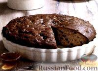 Фото к рецепту: Пряный пирог с изюмом и смородиной