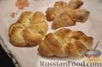 Фото к рецепту: Постные булочки с изюмом