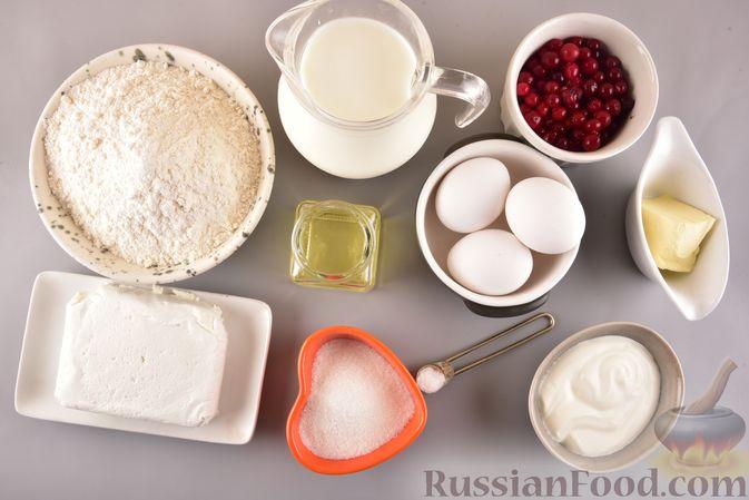 Фото приготовления рецепта: Рулет из запечённого блина с творогом и клюквой - шаг №1