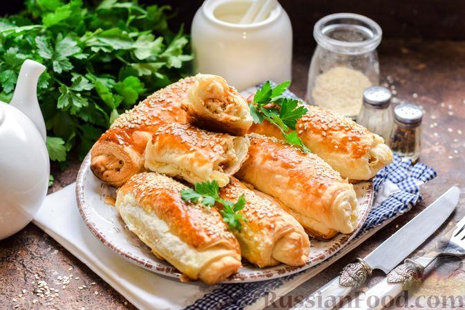 Фото к рецепту: Слоёные рулетики с курицей