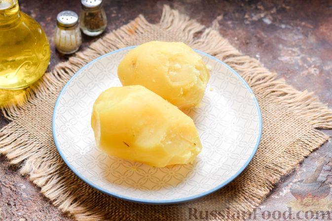 Фото приготовления рецепта: Скумбрия, запечённая с грибами и картошкой (в духовке) - шаг №2