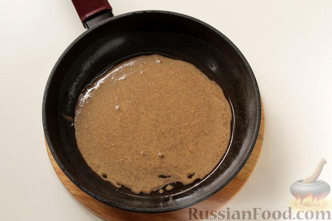Фото приготовления рецепта: Блинчики из ржаного хлеба - шаг №7