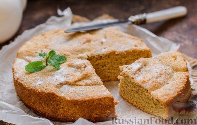 Фото к рецепту: Гречневый бисквит с корицей