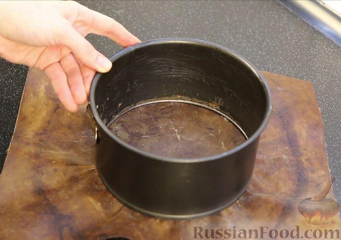 Фото приготовления рецепта: Шоколадный бисквит на какао - шаг №12