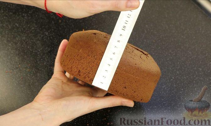 Фото приготовления рецепта: Шоколадный бисквит на какао - шаг №16