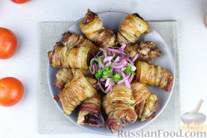 Фото приготовления рецепта: Рулетики из бекона с куриной печенью, запечённые в духовке - шаг №12