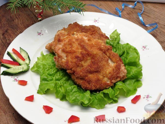 Фото приготовления рецепта: Куриное филе, фаршированное сыром и ветчиной - шаг №14