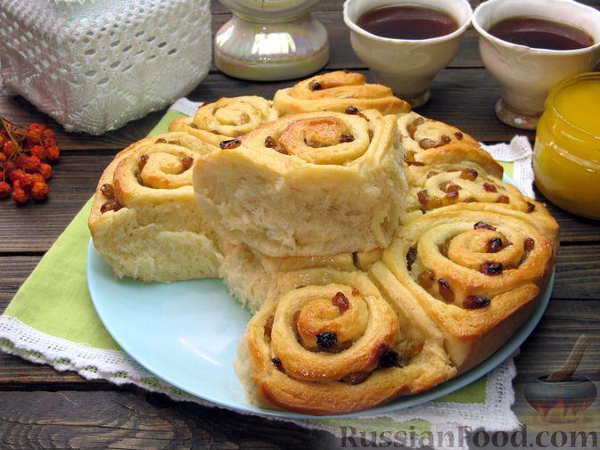 Фото приготовления рецепта: Медовые плюшки на сливках, с изюмом - шаг №19