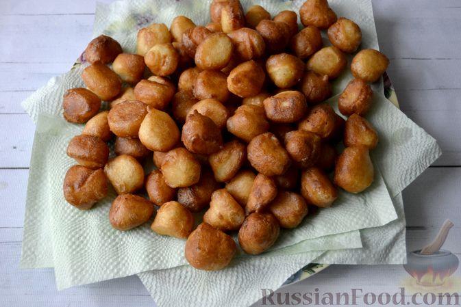 Фото приготовления рецепта: Мини-пончики на йогурте - шаг №11