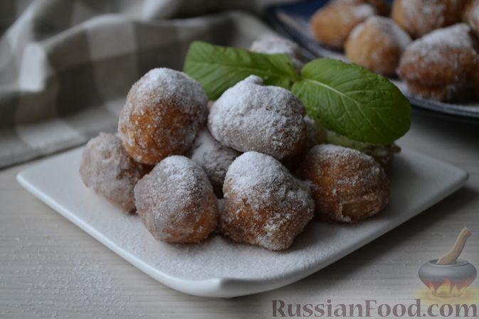 Фото приготовления рецепта: Мини-пончики на йогурте - шаг №15