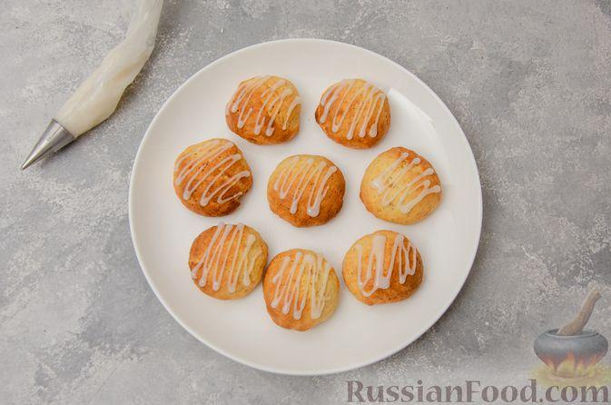 Фото приготовления рецепта: Творожное печенье с мёдом, цедрой и сахарной глазурью - шаг №11