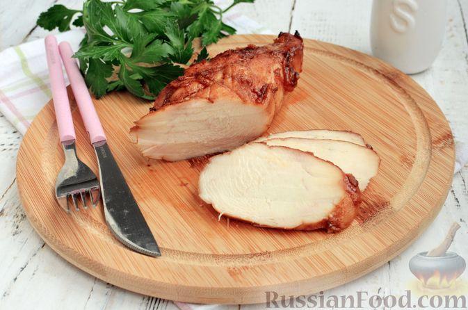 Фото к рецепту: Пастрома из куриного филе в медово-пряной глазури