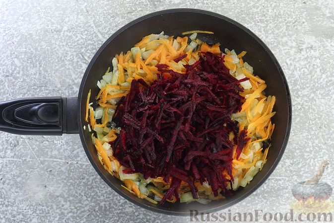 Фото приготовления рецепта: Борщ сибирский - шаг №6
