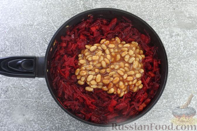 Фото приготовления рецепта: Борщ сибирский - шаг №8