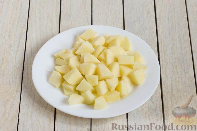 Фото приготовления рецепта: Суп с шампиньонами и вермишелью - шаг №2