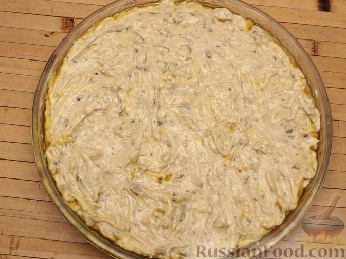 Фото приготовления рецепта: Ореховый пирог-перевёртыш с айвой - шаг №12