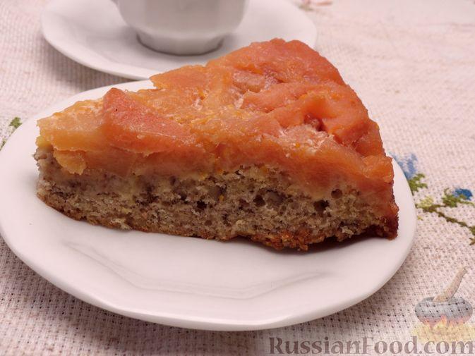 Фото приготовления рецепта: Ореховый пирог-перевёртыш с айвой - шаг №14