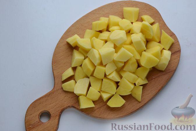 Фото приготовления рецепта: Борщ с курицей и квашеной капустой - шаг №14