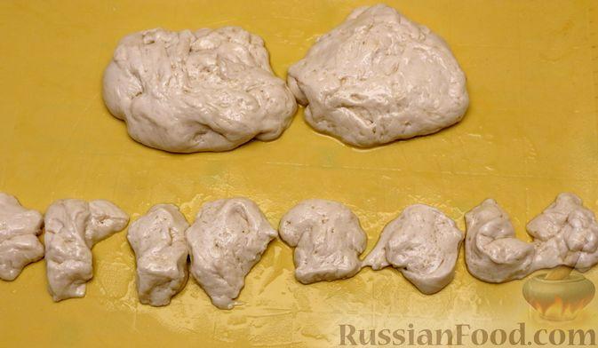 Фото приготовления рецепта: Пирожки-трубочки из вытяжного теста, с мясной и яично-рисовой начинками - шаг №14