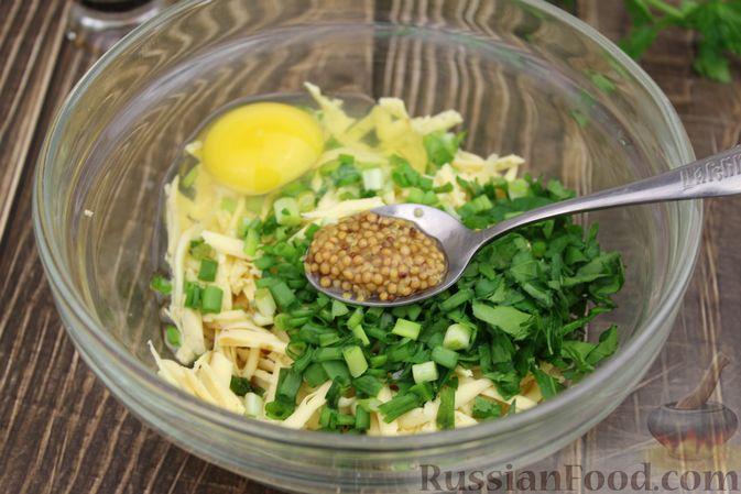 Фото приготовления рецепта: Рыбные котлеты с картофелем, сыром и зеленью - шаг №7