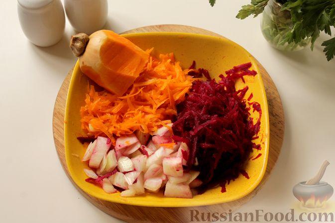 Фото приготовления рецепта: Борщ с курицей и тыквой - шаг №8