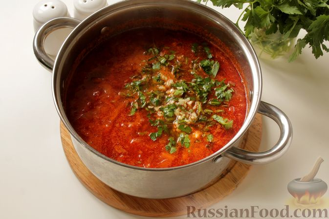Фото приготовления рецепта: Борщ с курицей и тыквой - шаг №13