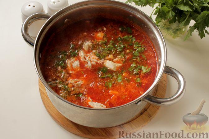 Фото приготовления рецепта: Борщ с курицей и тыквой - шаг №14