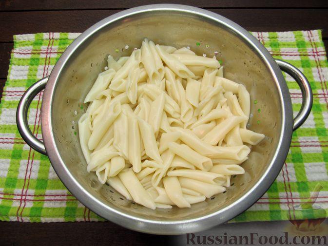 Фото приготовления рецепта: Макароны по-флотски с куриной печенью - шаг №10