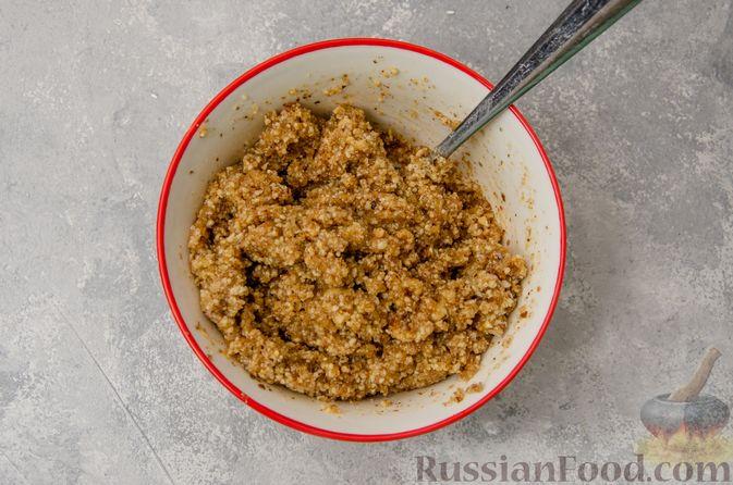 Фото приготовления рецепта: Сладкие хлебные палочки с орехами и корицей - шаг №11