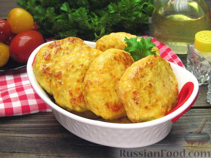 Фото приготовления рецепта: Куриные котлеты с морковью и сыром - шаг №15
