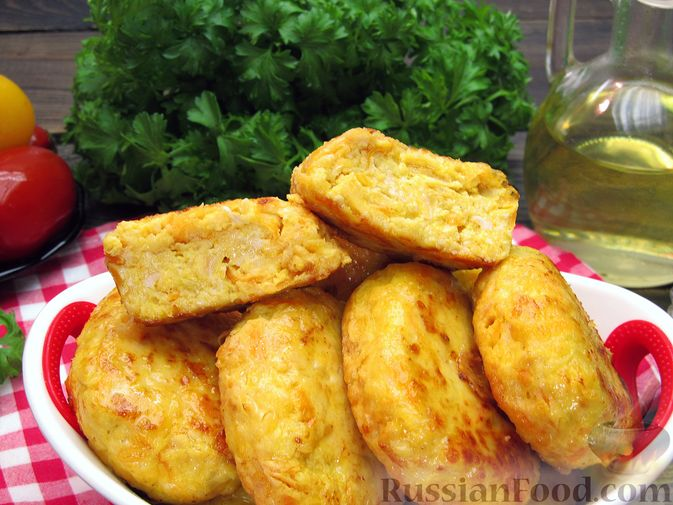 Фото приготовления рецепта: Куриные котлеты с морковью и сыром - шаг №16
