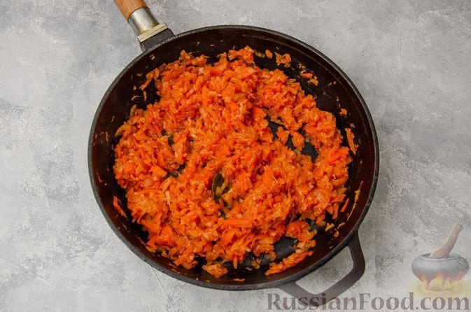 Фото приготовления рецепта: Постные вареники с пекинской капустой и морковью - шаг №8
