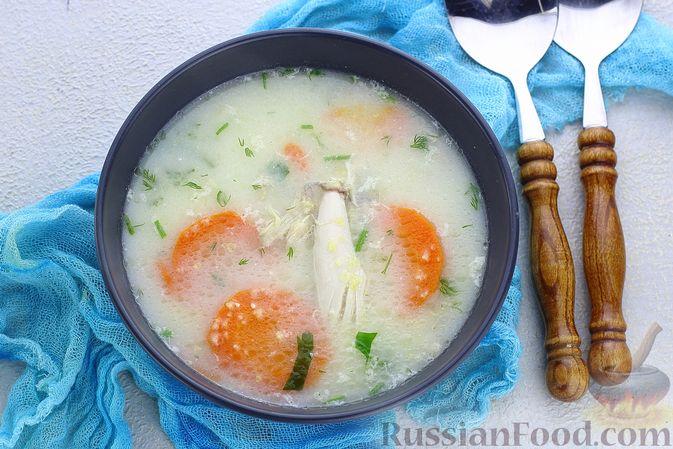 Фото к рецепту: Куриный суп с кукурузной крупой и сливками