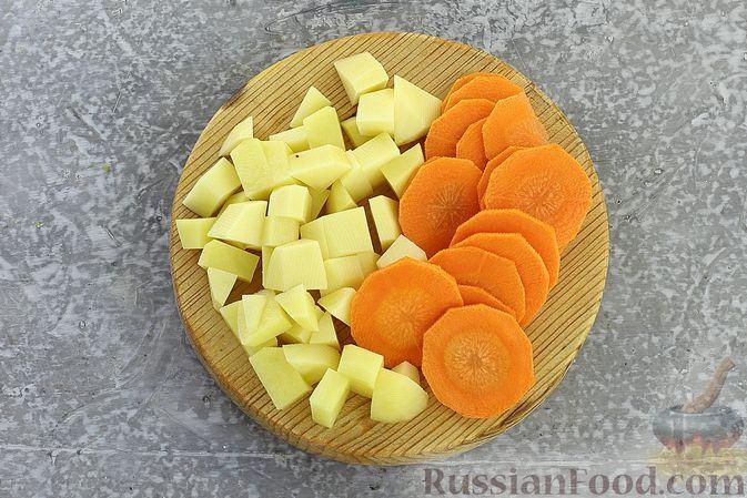 Фото приготовления рецепта: Куриный суп с кукурузной крупой и сливками - шаг №6