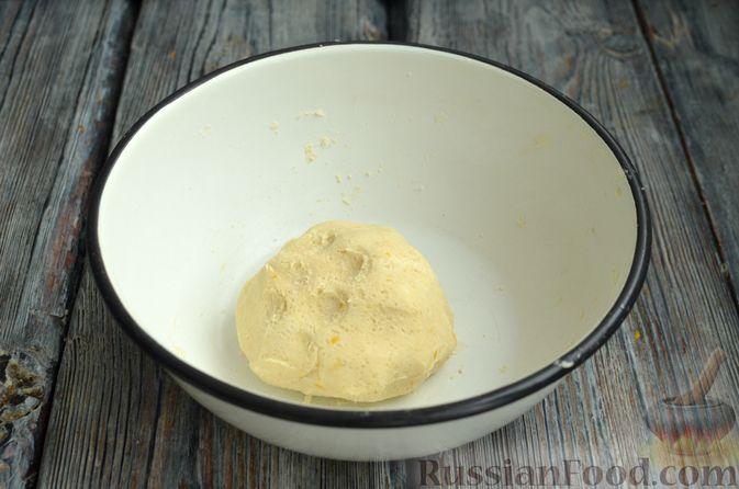 Фото приготовления рецепта: Песочный тарт со сливочно-лимонным муссом - шаг №4