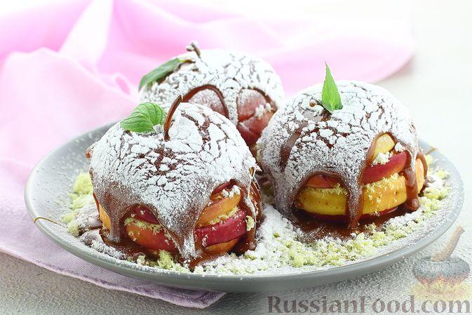 Фото к рецепту: Яблоки с кукурузными палочками и карамелью из сгущенки