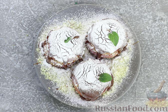 Фото приготовления рецепта: Яблоки с кукурузными палочками и карамелью из сгущенки - шаг №16