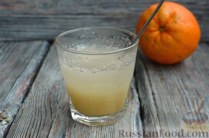 Фото приготовления рецепта: Молочно-апельсиновое желе - шаг №2
