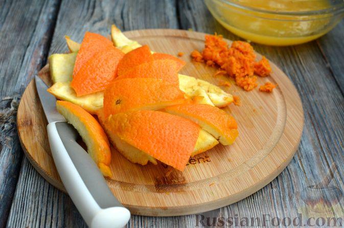 Фото приготовления рецепта: Молочно-апельсиновое желе - шаг №5