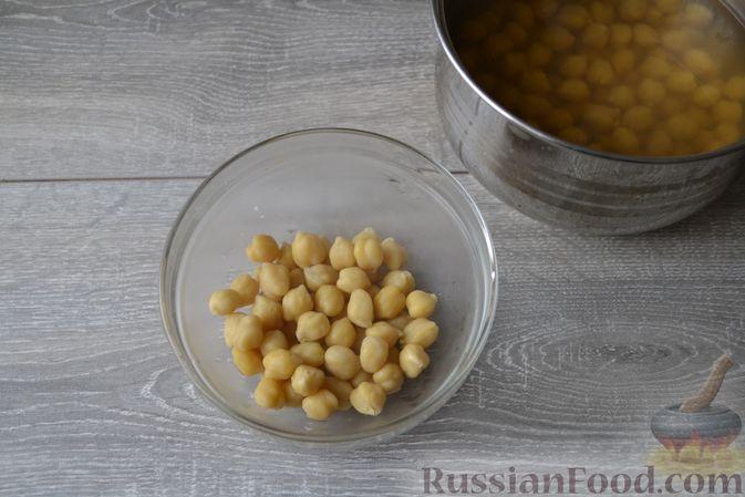 Фото приготовления рецепта: Суп с нутом, макаронами и помидорами - шаг №10