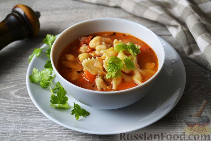 Фото приготовления рецепта: Суп с нутом, макаронами и помидорами - шаг №16