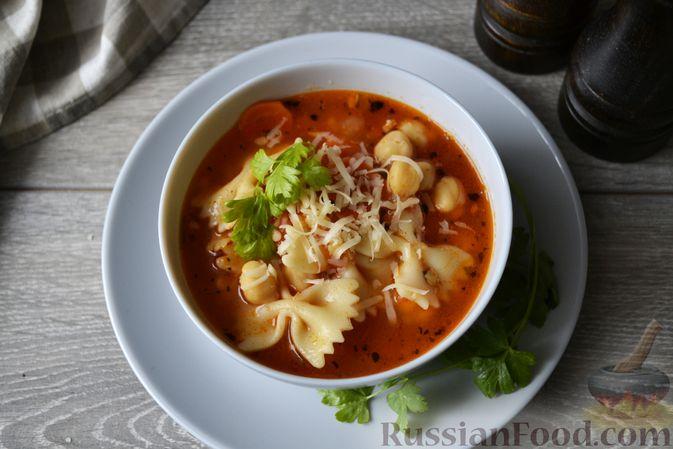 Фото к рецепту: Суп с нутом, макаронами и помидорами