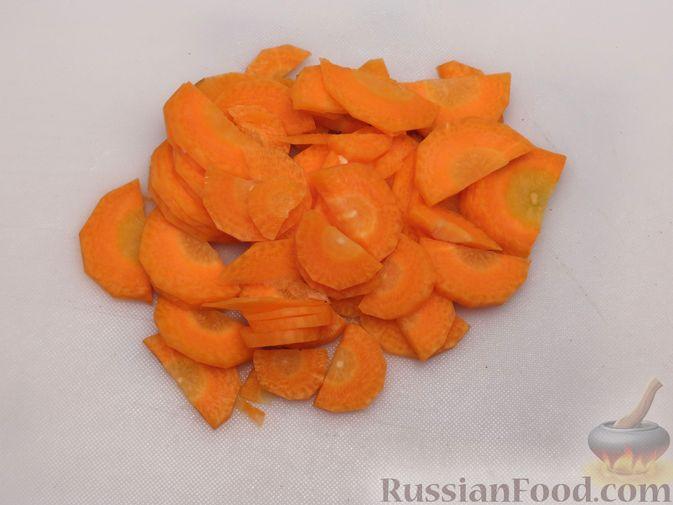 Фото приготовления рецепта: Тыква, тушенная в томатно-соевом соусе - шаг №4