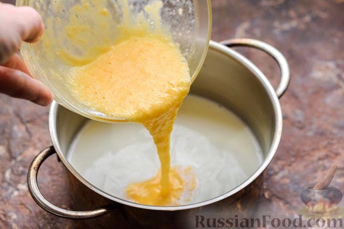 Фото приготовления рецепта: Десерт с печеньем, апельсиновым и шоколадным заварным кремом - шаг №6