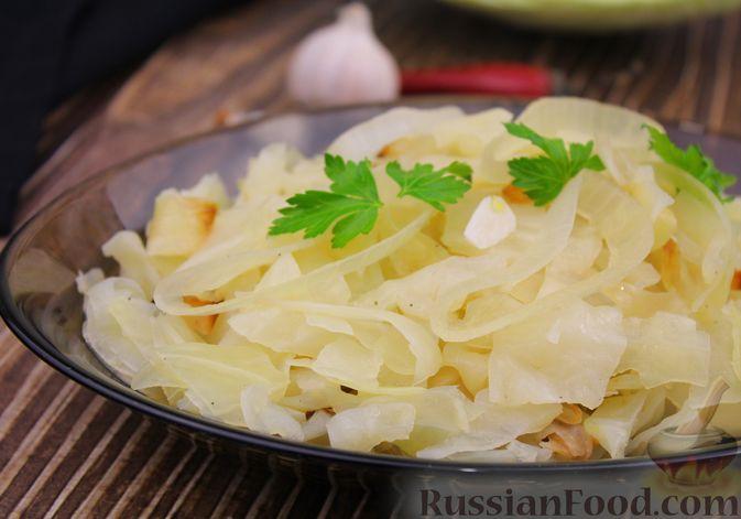 Фото приготовления рецепта: Капуста с луком и чесноком, тушенная в рукаве - шаг №10