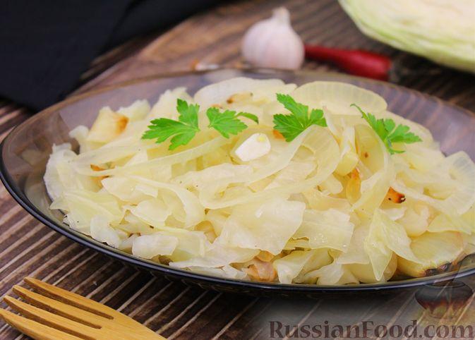 Фото приготовления рецепта: Капуста с луком и чесноком, тушенная в рукаве - шаг №9
