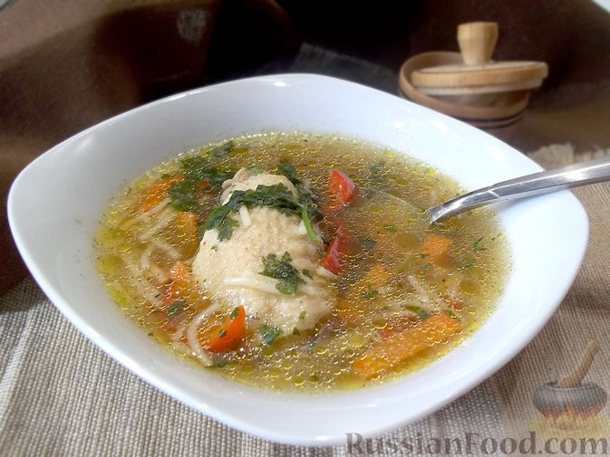 Фото к рецепту: Куриный суп с квасом и вермишелью