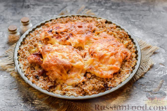 Фото приготовления рецепта: Курица с гречкой, запечённая в сливках - шаг №11