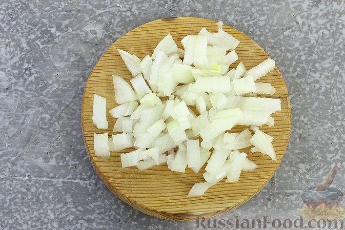 Фото приготовления рецепта: Гречка со сливочно-грибным соусом - шаг №3